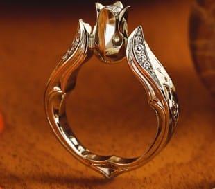 Kelengye eljegyzési gyűrű