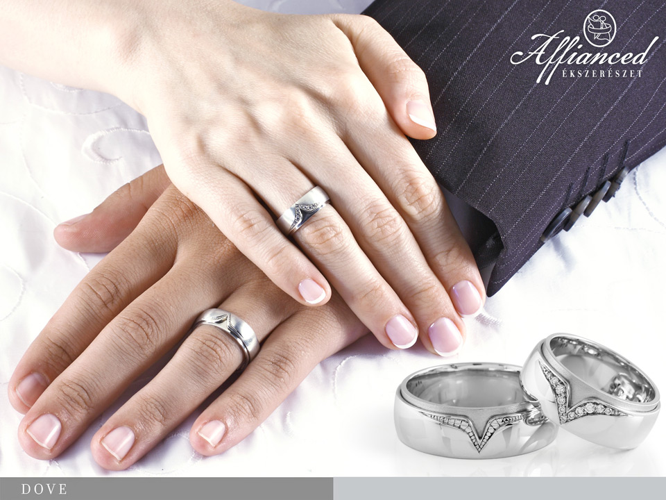 Affianced Wedding Rings on the finger Affianced karikagyr