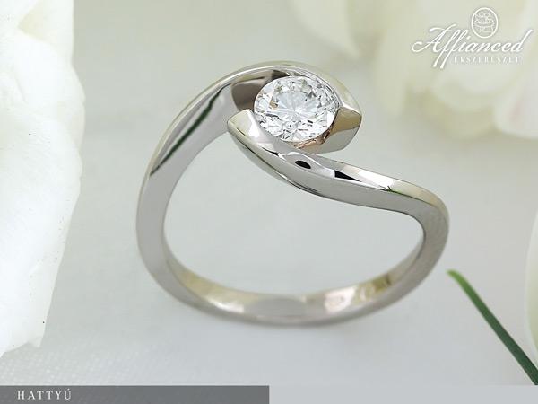 Hattyú - eljegyzési gyűrű