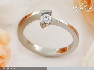 Ízisz - eljegyzési gyűrű