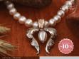 Kackiás - arany nyakék gyöngysorral