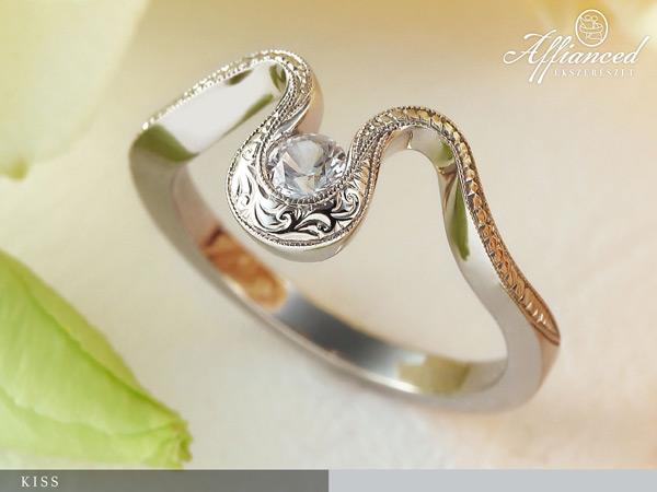 Kiss - eljegyzési gyűrű
