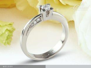 Melody – eljegyzési gyűrű