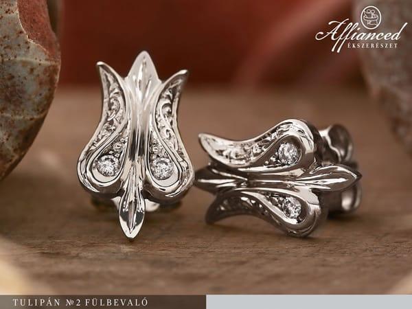 Tulipán - arany fülbevaló