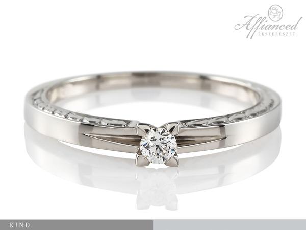 Kind – eljegyzési gyűrű