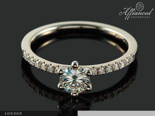London - gyémánt eljegyzési gyűrű