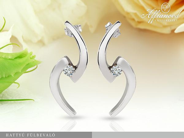 Hattyú - arany, gyémánt fülbevaló