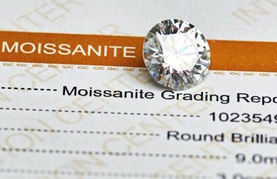 Moissanite ékkő